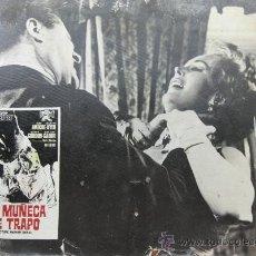 Cine: CARTEL DE CINE DE CARTÓN ANTIGUO (39 X 29 CM): LA MUÑECA DE TRAPO- ZSA ZSA GARBOR. Lote 25263583