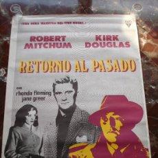 Cine: CARTEL CINE RETORNO AL PASADO ROBERT MITCHUM Y KIRK DOUGLAS. Lote 28980136