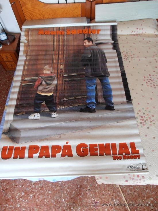 UN PAPA GENIAL¡¡¡¡OJO!!!! CARTEL GIGANTE DE TELA/LONA/PLASTICO DE 170X120 CM APROX(56) (Cine - Posters y Carteles - Infantil)