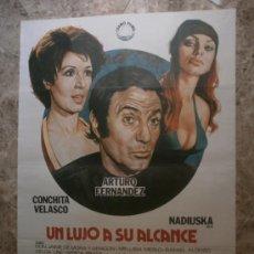 Cine: UN LUJO A SU ALCANCE. ARTURO FERNANDEZ, CONCHITA VELASCO, NADIUSKA. AÑO 1975.. Lote 288473963
