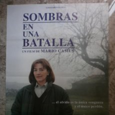 Cine: SOMBRAS EN UNA BATALLA. CARMEN MAURA, JOAQUIM DE ALMEIDA, FERNANDO VALVERDE.. Lote 34568305