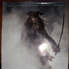 Cine: PIRATAS DEL CARIBE: EN EL FIN DEL MUNDO, CON JOHNNY DEPP. POSTER 69 X 99 CM. 2007.. Lote 35013993