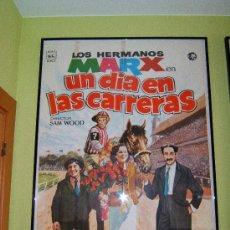 Cine: UN DIA EN LAS CARRERAS - SAM WOOD - HERMANOS MARX - DIBUJO 100X70 CM - 1974 - REESTRENO ESPAÑA. . Lote 36939919