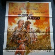 Cine: PÓSTER • BAJO EL FUEGO (1983) CARTEL DE CINE ORIGINAL 70X100 CMS. Lote 39204066