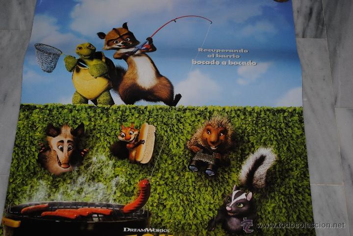 CARTEL DE CINE ORIGINAL VECINOS INVASORES, NUEVO, 70 POR 100CM (Cine - Posters y Carteles - Infantil)