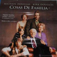 Cine: CARTEL DE CINE ORIGINAL DE LA PELÍCULA COSAS DE FAMILIA, MICHAEL Y KIRK DOUGLAS, 70 POR 100CM. Lote 41126010
