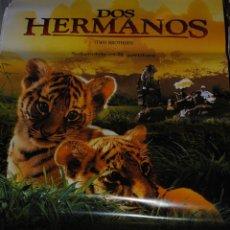 Cine: CARTEL DE CINE ORIGINAL DE LA PELÍCULA DOS HERMANOS, SOBREVIVIR ES LA AVENTURA, 70 POR 100CM. Lote 41132757