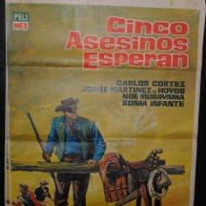 Cine: CARTEL DE CINE ORIGINAL CINCO ASESINOS ESPERAN, CARLOS CORTEZ, 70 POR 100CM. Lote 41382195