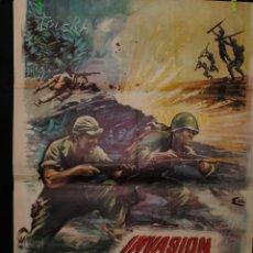Cine: CARTEL DE CINE ORIGINAL DE LA PELÍCULA INVASIÓN EN BIRMANIA, 70 POR 100CM. Lote 41405542