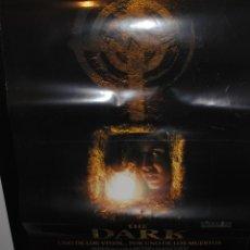 Cine: CARTEL DE CINE ORIGINAL DE LA PELÍCULA THE DARK,UNO DE LOS VIVOS POR UNO DE LOS MUERTOS,70 POR 100CM. Lote 41662170