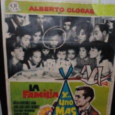 Cine: CARTEL DE CINE ORIGINAL DE LA PELÍCULA LA FAMILIA Y UNO MÁS, 70 POR 100CM. Lote 42197714