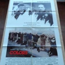 Cine: COLORS (COLORES) PÓSTER ORIGINAL DE LA PELÍCULA, DOBLADO, 1988, SEAN PENN, ROBERT DUVALL. Lote 42275771