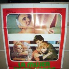 Cine: LA MUJER DE MI PADRE ADOLFO CELI CARROLL BAKER POSTER ORIGINAL 70X100 YY (615). Lote 42548836