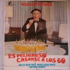 Cine: PÓSTER ORIGINAL ES PELIGROSO CASARSE A LOS 60 (1980). Lote 43479160