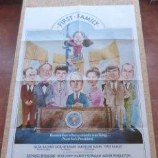 Cine: FIRST FAMILY PÓSTER ORIGINAL DE LA PELÍCULA, ORIGINAL, DOBLADO, AÑO 1980, TEASER, HECHO EN U.S.A.. Lote 43999877
