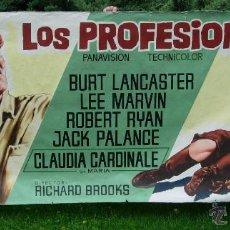 Cine: 1966 CARTEL PINTADO EN TELA ORIGINAL DE CINE, DE LOS PROFESIONALES BURT LANCASTER CLAUDIA CARDINALE. Lote 45823879