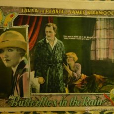 Cine: LOTE DE 7 LOBBY CARDS AMERICANOS UNIVERSAL 'BUTTERFLIES IN THE RAIN' FOTOCROMOS CARTELERAS. Lote 50467080