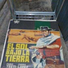 Cine: EL SOL BAJO LA TIERRA -CON FABIO TESTI Y CHARO LOPEZ CARTEL DE CINE. Lote 53120365