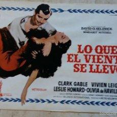 Cine: 12 FOTOCROMOS DE CARTELERA DE LO QUE EL VIENTO SE LLEVO 22.5X34 CMS IMPECABLES. Lote 56529380