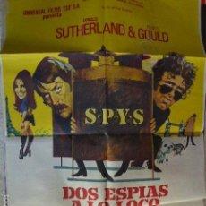 Cine: DOS ESPIAS A LO LOCO. CARTEL DEL CINE- MOVIE POSTER. Lote 56569626