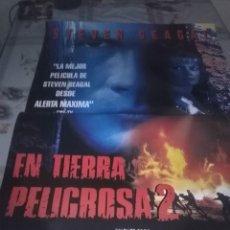 Cine: EN TIERRA PELIGROSA 2. 96 X 67. Lote 57607759