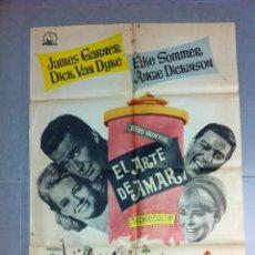 Cine: CARTEL DE CINE 70X100 EL ARTE DE AMAR CON JAMES GARNER Y DICK VAN DYKE DIRECTOR NORMN JEWISON 1965. Lote 61466827