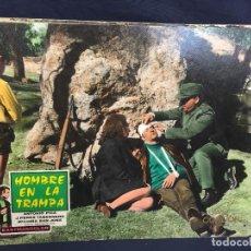 Cine: CARTELERA CINE LOBBY CARD HOMBRE EN LA TRAMPA PICA TABERNERO CERVERA 29X39CMS. Lote 61540740