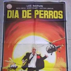 Cine: CARTEL DE CINE ORIGINAL DÍA DE PERROS . Lote 62583556