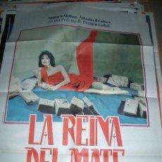 Cine: POSTER ORIGINAL DE 70X100CM LA REINA DEL MATE CON AMPARO MUÑOZ Y ANTONIO RESINES. Lote 243995210