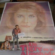 Cine: PÓSTER ORIGINAL DE 70X100CM UN TIGRE EN LA ALMOADA. Lote 66936106