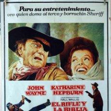 Cine: EL RIFLE Y LA BIBLIA. JOHN WAYNE-KATHERINE HEPBURN. CARTEL ORIGINAL 1976. 100X70 . Lote 73575259
