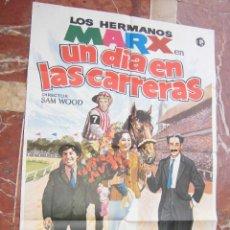 Cine: LOS HERMANOS MARX CARTEL DE LA PELICULA UN DIA EN LAS CARRERAS ECHO EN ESPAÑA 70 X 100 CTMS.. Lote 75157139