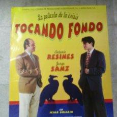 Cine: CARTEL DE CINE ORIGINAL. TOCANDO FONDO. 99 X 70 CM.. Lote 76069615