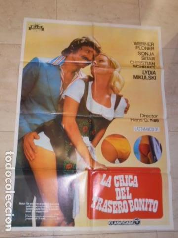 POSTER PELICULA LA CHICA DEL TRASERO BONITO - CARTEL TAMAÑO APROXIMADO 95X65 CM. (Cine - Posters y Carteles - Comedia)