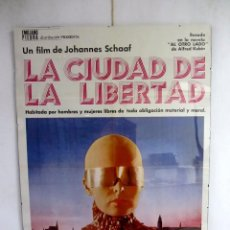 Cine: LA CIUDAD DE LA LIBERTAD JOHANNES SCHAAF CARTEL ORIGINAL ENMARCADO 70X100. Lote 81645476