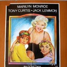 Cine: CON FALDAS Y A LO LOCO - CARTEL TAMAÑO 100X70 - MARILYN MONROE, JACK LEMMON, TONY CURTIS. Lote 89182072