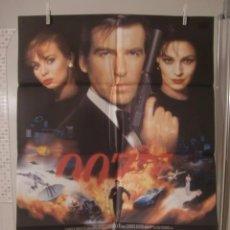 Cine: CARTEL CINE ORIG GOLDENEYE / JAMES BOND 007 (1996) 70X100 / PIERCE BROSNAN. Lote 92727170