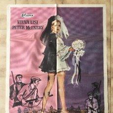 Cine: CARTEL DE CINE DEL ESTRENO DE LA PELÍCULA MEJOR VIUDA QUE... (1968). Lote 95148347