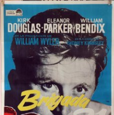Cine: BRIGADA 21. KIRK DOUGLAS-ELEANOR PARKER-WILLIAM WYLER. CARTEL ORIGINAL 1965. 70X100. Lote 95451351