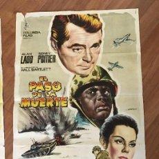 Cine: 8A EL PASO DE LA MUERTE POSTER GRANDE. Lote 95684047
