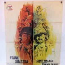 Cine: TODO ERAN VALIENTES (1965) CARTEL ORIGINAL 70X100 DEL ESTRENO FRANK SINATRA, TATSUYA MIHASHI. Lote 97605419