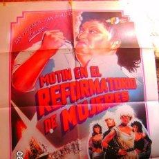 Cine: MOTIN EN EL REFORMATORIO DE MUJERES CARTELERA DE CINE EN SUBASTA A PARTIR 1€ Y MEDIDAS DE 7X100. Lote 101969255