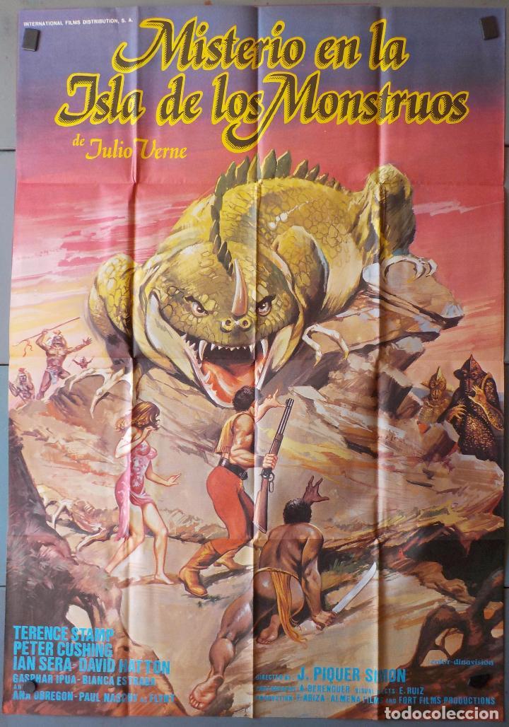 (N130) MISTERIO EN LA ISLA DE LOS MONSTRUOS, JULIO VERNE,TERENCE STAMP,PETER CUSHING, CARTEL DE CINE (Cine - Posters y Carteles - Aventura)