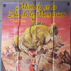 Cine: (N130) MISTERIO EN LA ISLA DE LOS MONSTRUOS, JULIO VERNE,TERENCE STAMP,PETER CUSHING, CARTEL DE CINE. Lote 195016802