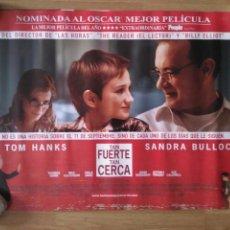 Cine: TAN FUERTE TAN CERCA - APROX 50X70 MINICARTEL ORIGINAL CINE (M1). Lote 98887207