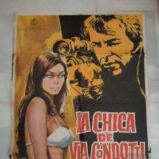Cine: CARTEL. ORIGINAL, LA CHICA DE VIA CONDOTTI FREDERICK ATFFORD, FEMI BENUSSI, 1974 ,70X100. Lote 106105471