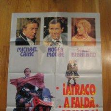 Cine: ATRACO A FALDA ARMADA, MICHAEL CAINE, ROGER MOORE, SALLY KIRKLAND, MICHAEL WINNER. Lote 108247255
