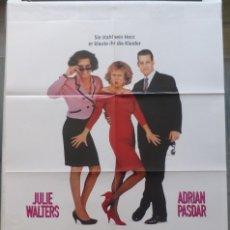 Cinema: JUST LIKE A WOMAN FOLDED MOVIE POSTER,JULIE WALTERS, ADRIAN PASDAR,1992,GERMAN. Lote 108874527