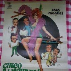 Cine: CARTEL CINE ORIGINAL CINCO ALMOHADAS PARA UNA NOCHE SARA MONTIEL 1974. Lote 109037671