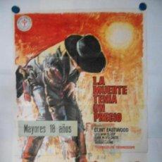 Cine: LA MUERTE TENIA UN PRECIO - CLINT EASTWOOD - CARTEL ORIGINAL 70 X 100. Lote 110892875